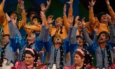 coro manos arriba cuartos